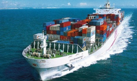 kapal kargo